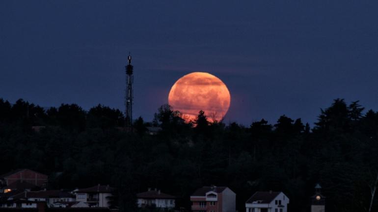 5 Мај 2012 – Супер Месечина