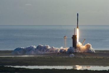 Следиме во живо: SpaceX праќа 60 нови Starlink сателити во орбитата на Земјата