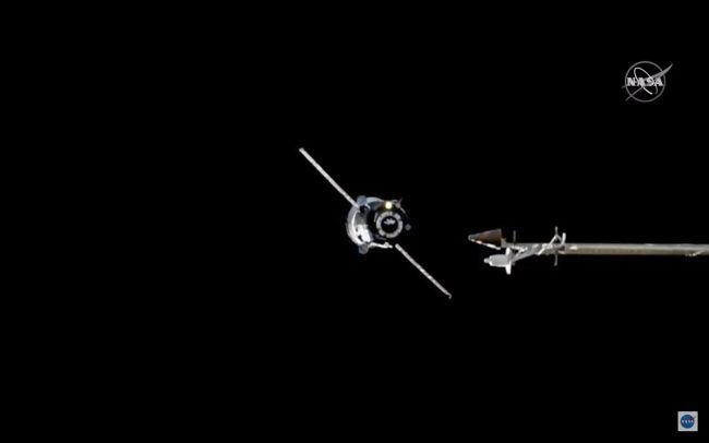 Руски товарен брод пристигна на вселенската станица (ISS) со скоро 3 тони залихи